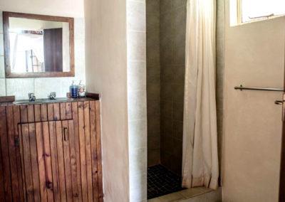Nsele_Safari_Lodge_Bathroom_2-Chalets