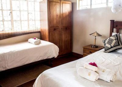 Nsele_Safari_Lodge_Twin_Bed-Chalets